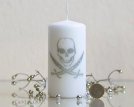 Stumpenkerze Weiss Pirat - 6 x 12cm