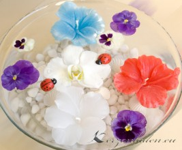 Schwimmkerze - Hibiskusblüte - weiß