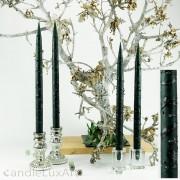 4  Leuchterkerzen tiefes dunkelgrün Dekor schwarz 35cm