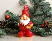 Zwerg mit Buch Weihnachtskerze - 13cm
