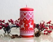 Muster Kerze Renntier-Motiv- rot 7x15cm
